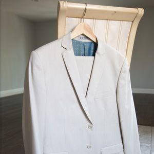Other - Eggshell White Suit